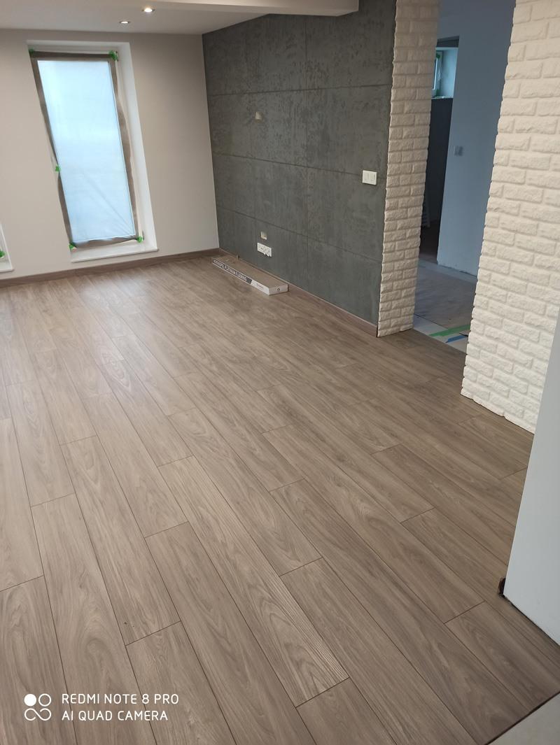 Podłoga zamontowana rojax