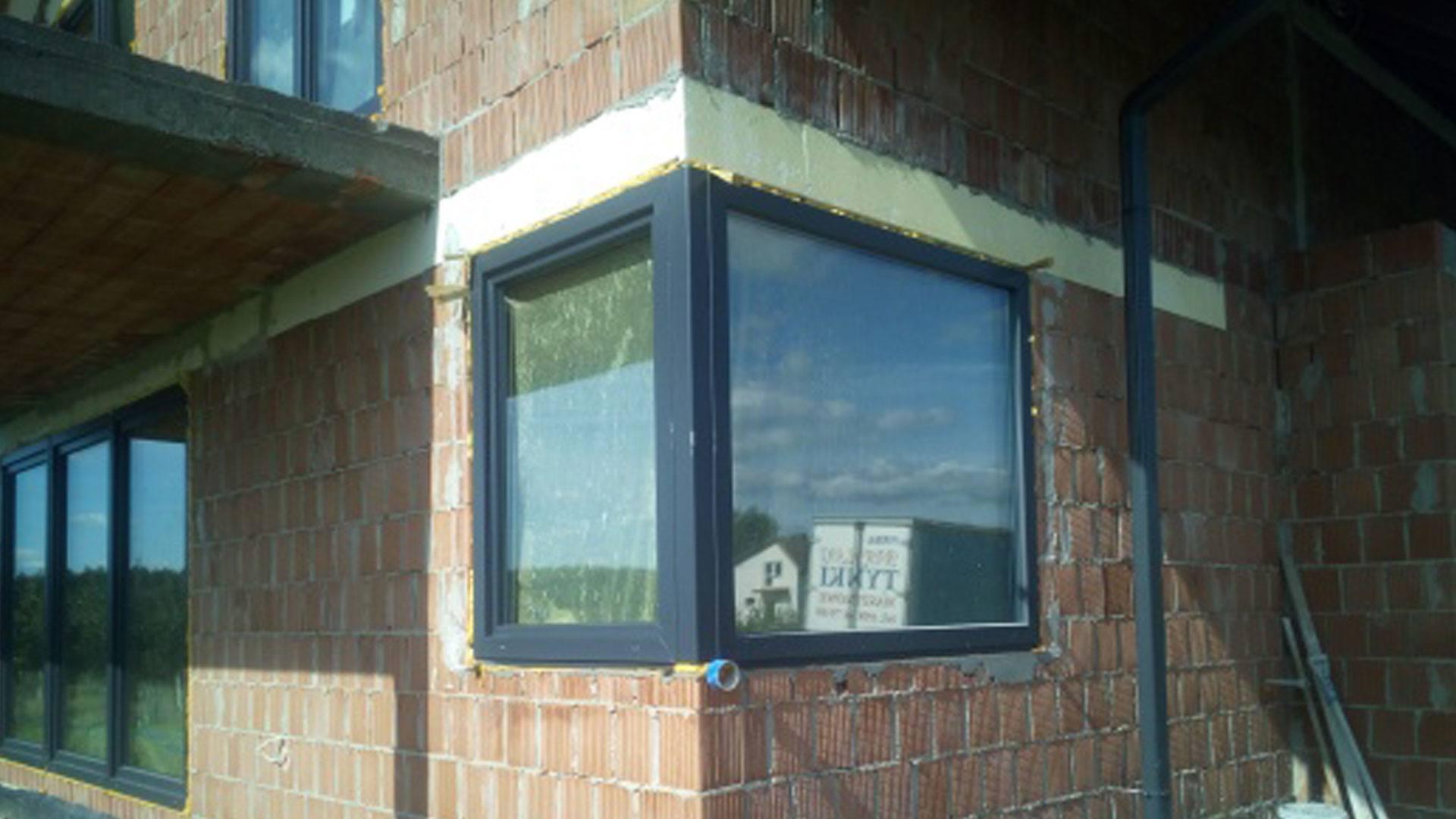 montaż okien rojax